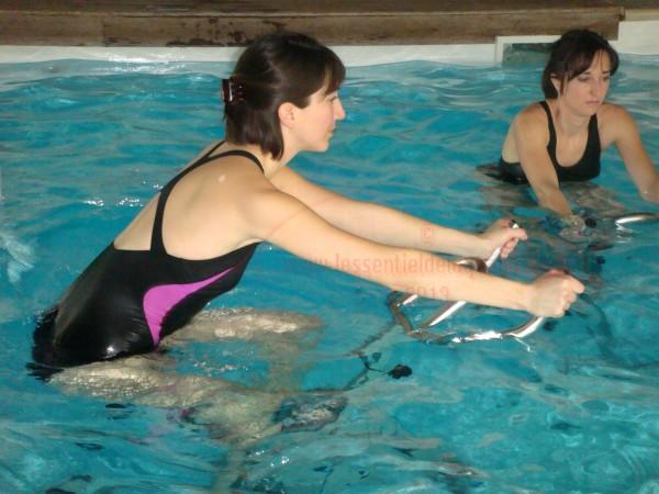 """un maillot de bain """"sport"""" comme matériel adéquat"""